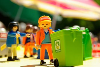 Medium_playmobil-771313_1920-768x514